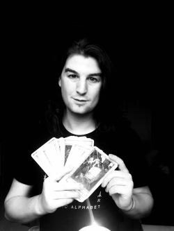 Tarocista Piotr Halicki